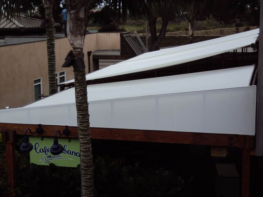 Sark Custom Awnings - Restractable Awning (2)