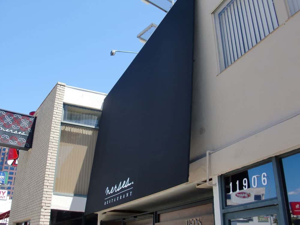Sark Custom Awnings - Signs and Flags (3)